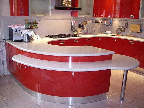 Кухня угловая с полукруглой секцией