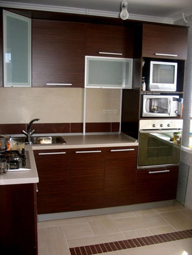 Кухня угловая с угловыми подвесными шкафами