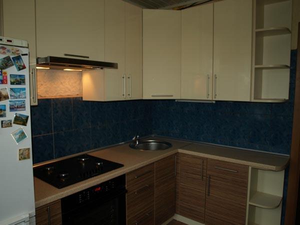 Кухня угловая с ящиками для посуды