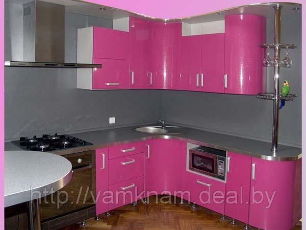 Кухня угловая серебристо-розовая