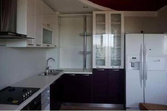 Кухня угловая со встроенной барной стойкой