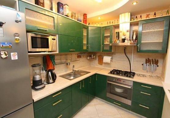 Кухня угловая современная