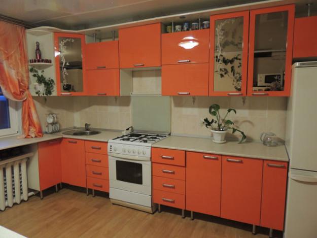 Кухня угловая терракотовая