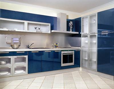 Кухня угловая в синем цвете