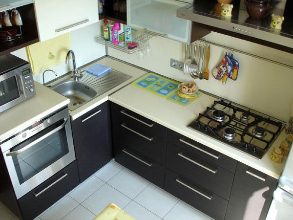 Кухня угловая в стиле минимализма