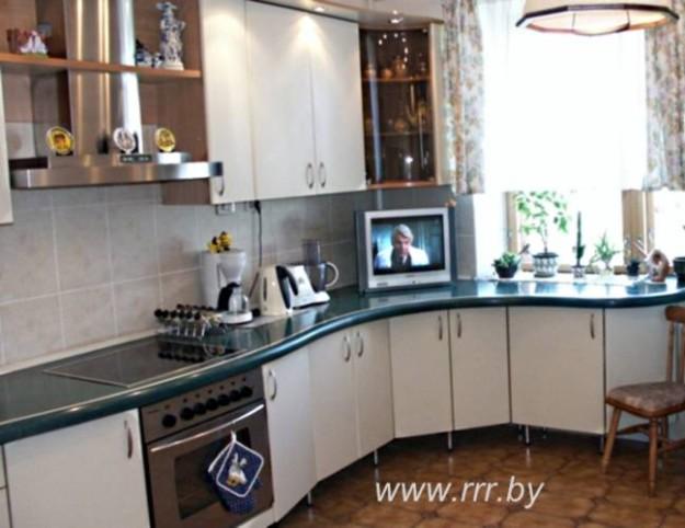 Кухня угловая волнообразная