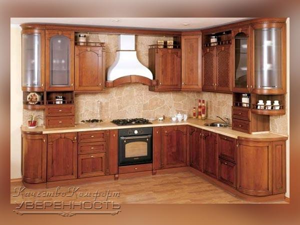Кухня в цвете орех с белой столешницей