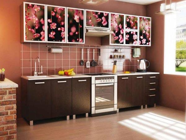 Кухня в цвете венге с фотопечатью