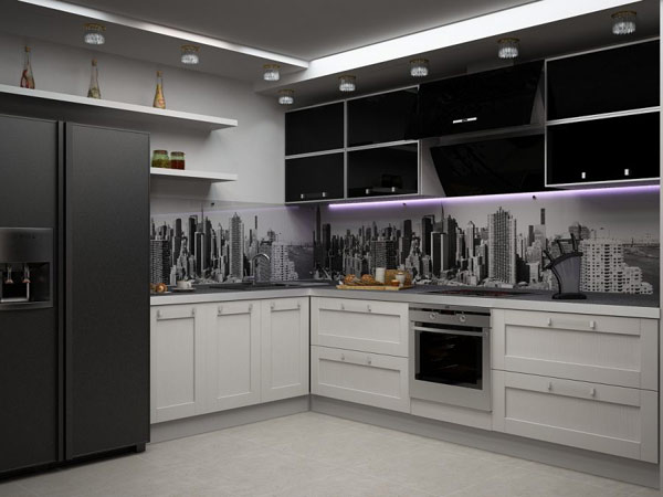 Кухня в гармоничном оформлении со скинали