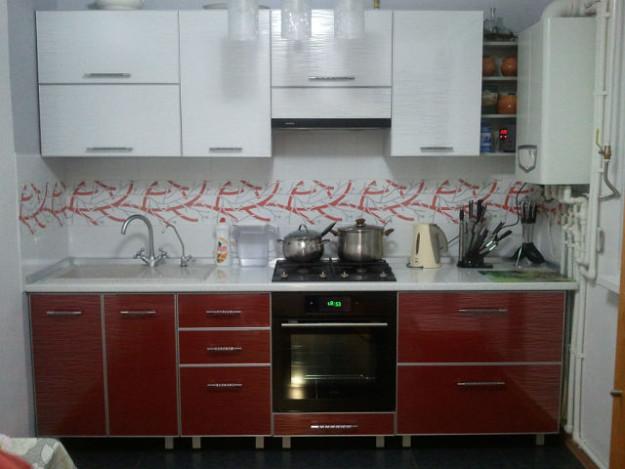 Кухонный гарнитур двухцветный
