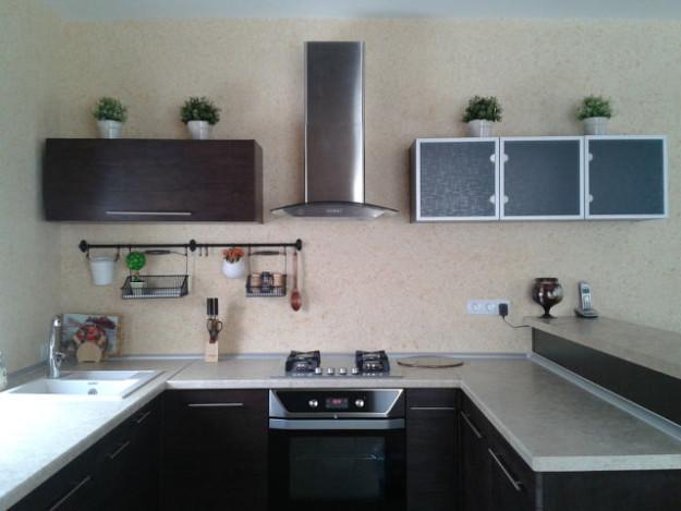 Кухонный гарнитур однотонный
