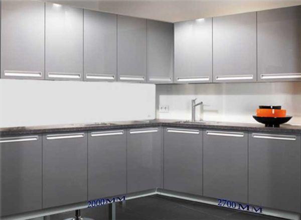 Кухонный гарнитур с угловой конструкцией