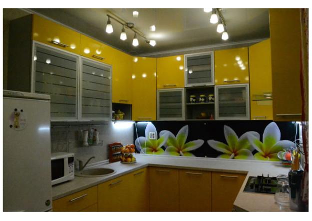 Кухонный гарнитур солнечный