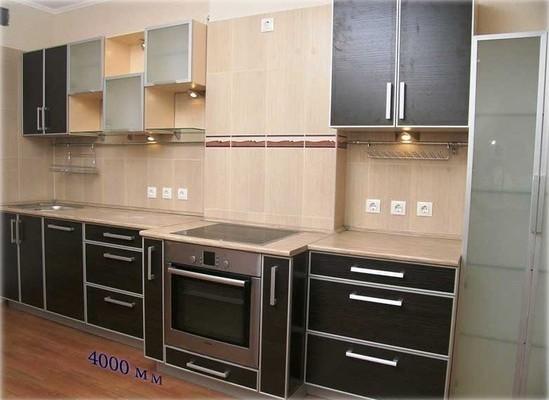 Кухонный набор с необычными полками