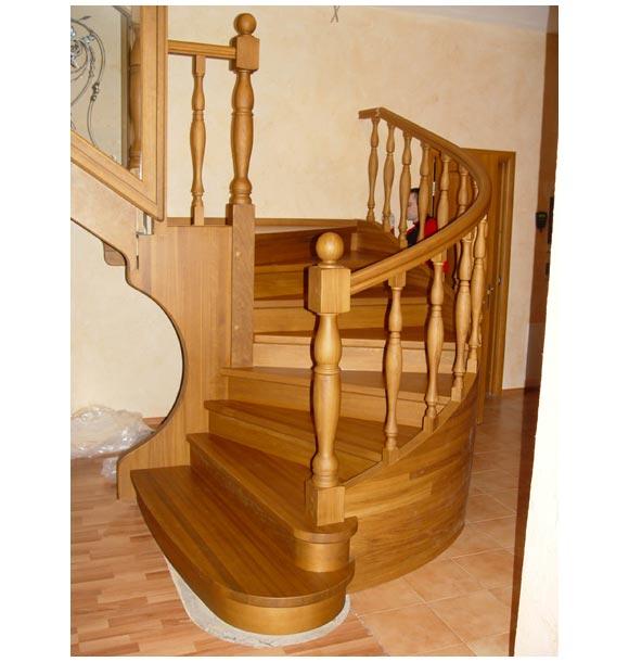 Лестница с забежными ступенями