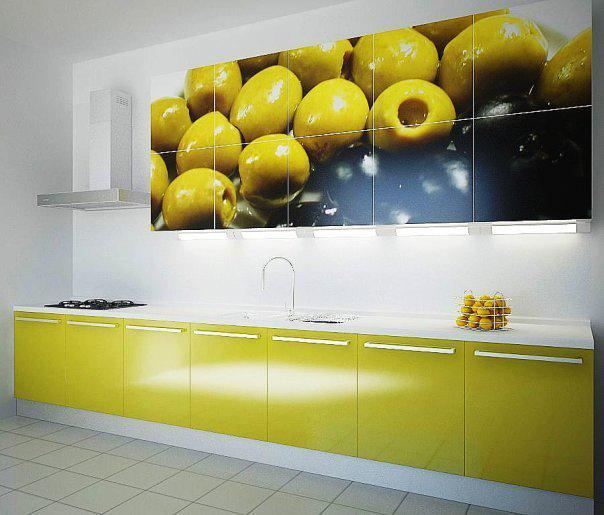 Линейная кухня с фотопечатью «Оливки»