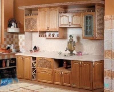 Линейная кухня с комбинированными фасадами