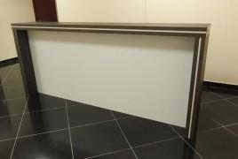 Линейная офисная стойка reseption