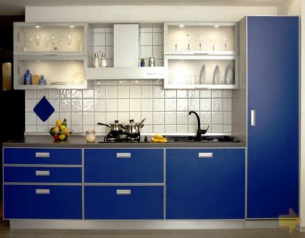 Линейная темно-синяя кухня