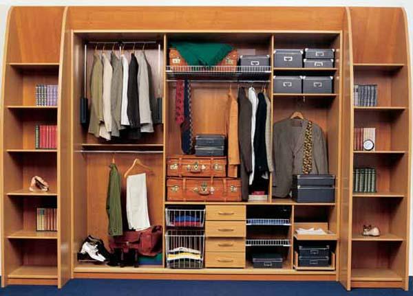 Линейный открытый шкаф-гардеробная