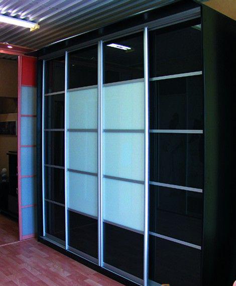 Линейный шкаф-купе контрастный