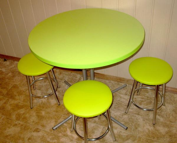 Миниатюрный круглый стол