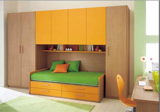 Набор мебели для детской с желтыми фасадами