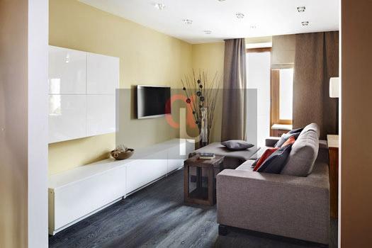 Набор мебели для гостиной белого цвета