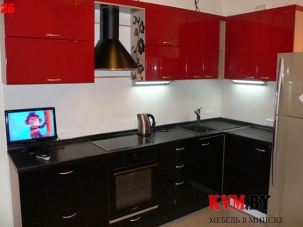Небольшая угловая красно-черная кухня
