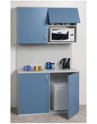Офисная кухня с голубыми фасадами