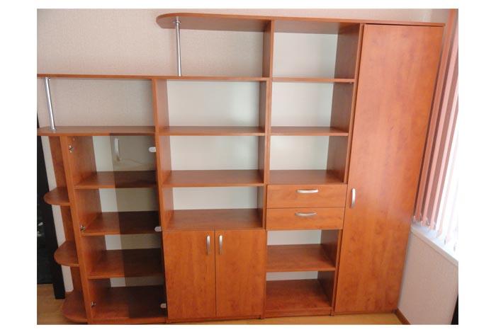 Офисный шкаф цвета черешни