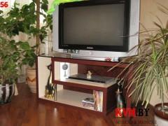 Остекленная тумбочка для телевизора