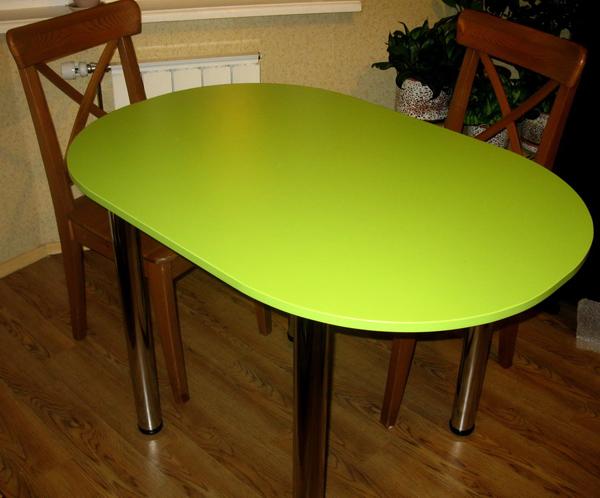 Овальный стол цвета лайм