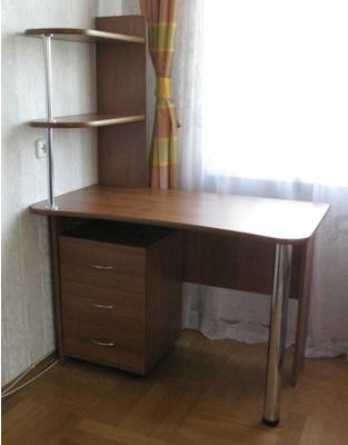 письменный стол с полками на хромированной опоре с 8