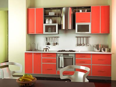 Прямая кухня кораллового цвета