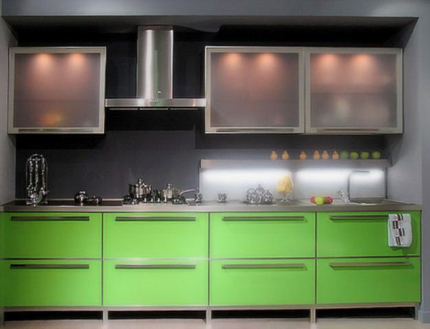 Прямая  кухня в строгом стиле