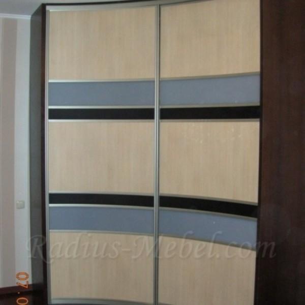 Радиусный шкаф полосатый