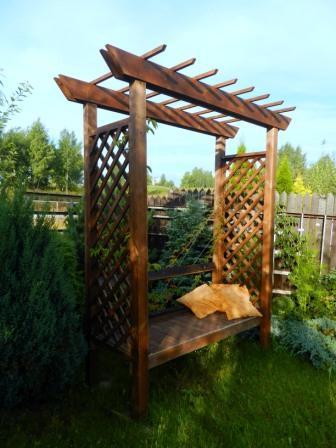 Садовая скамья на три посадочных места
