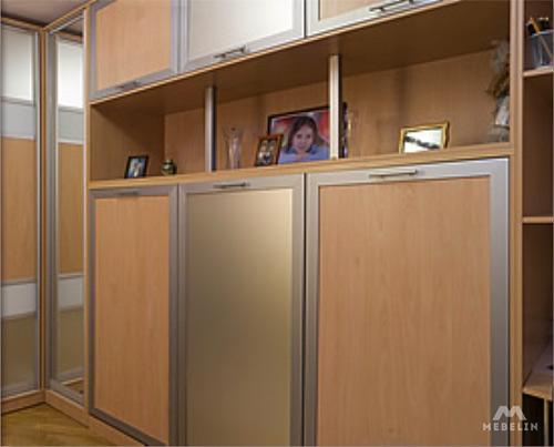 Шкаф-кровать с полками для детской
