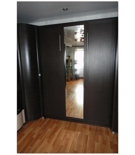 Шкаф-кровать с зеркалом