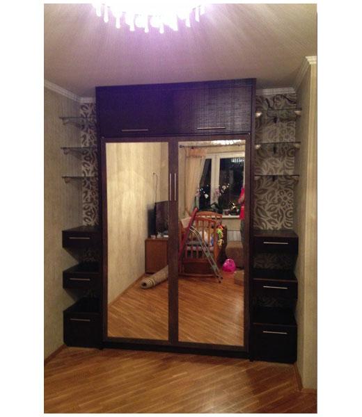 Шкаф-кровать зеркальная с боковыми полками