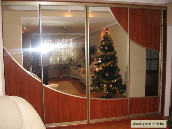 Шкаф-купе четырехстворчатый остекленный зеркалом