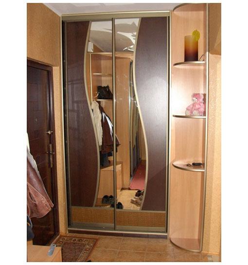 Шкаф-купе двустворчатый с зеркалом волнистой формы