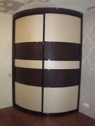 Шкаф-купе радиусный из эко-кожи