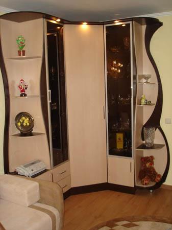 Шкаф-купе угловой с радиусными фасадами