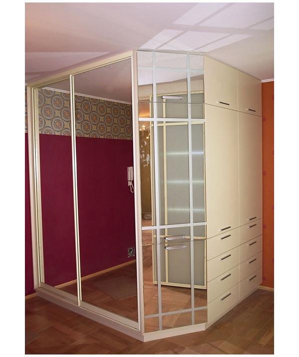 Шкаф-купе угловой зеркальный