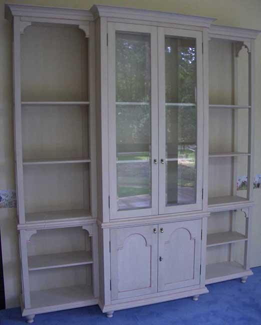 Шкаф для книг из массива ясеня