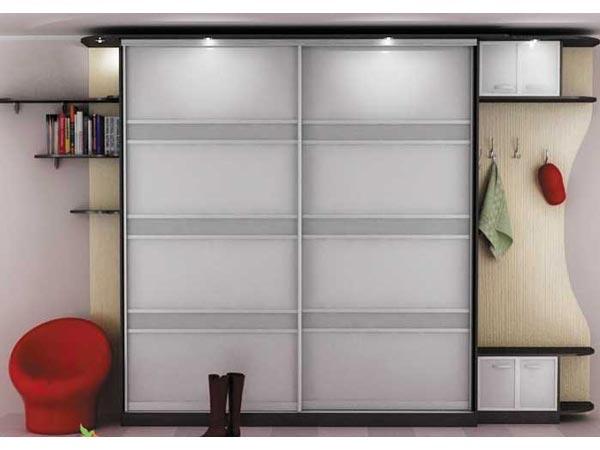 Шкаф с износостойкими дверями-купе