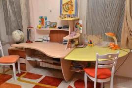 Стол компьютерный детский