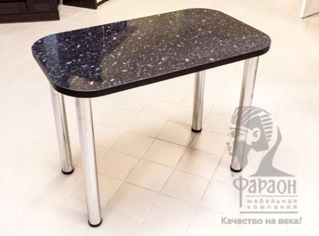 Стол обеденный на хромированных опорах с черной столешницей